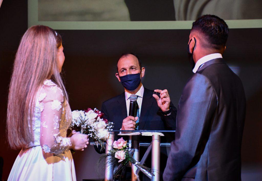 マスクで結婚式